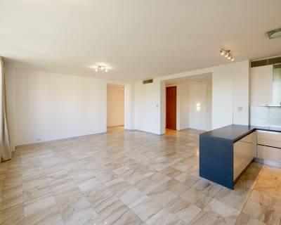 Priestranný 3i byt, 121 m2, nezariadený, parkovanie, klimatizácia