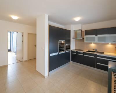 Príjemný 2i byt, 90m2, zariadený, parkovanie, s terasou