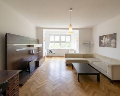 REZERVOVANÉ Priestranný 2,5i byt, 104 m2, zariadený, s balkónom