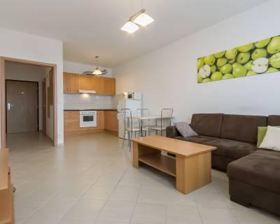 Moderný 2i byt, 56 m2, zariadený, s balkónom