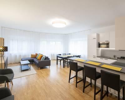 Mezonetový 4i byt, 135m2  s predzáhradkou, terasa, garáž