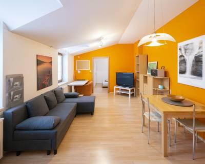 REZERVOVANÉ Zariadený 2i byt, 40 m2, s terasou, priamo v centre mesta