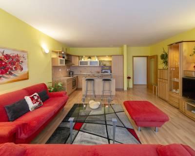Zariadený 2i byt, 74m2, klimatizácia, s parkovaním, pod hradom