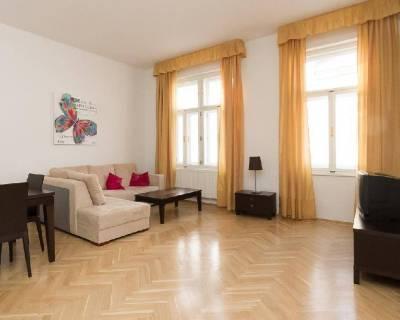 Príjemný, svetlý 2i byt, 59m2, vysoké stropy, výborná lokalita