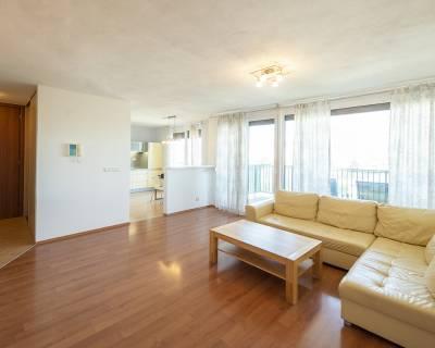 Príjemný 3i byt, 80m2, zariadený, garáž, s balkónom