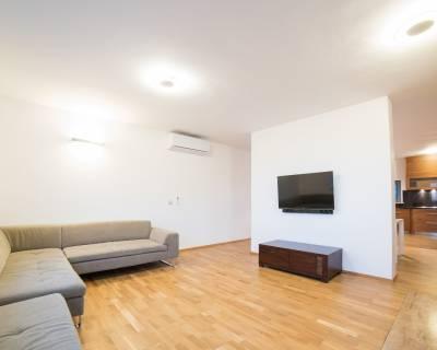 Nadštandardný 4i byt, 186 m2, čiastočne zariadený, garáž, terasa