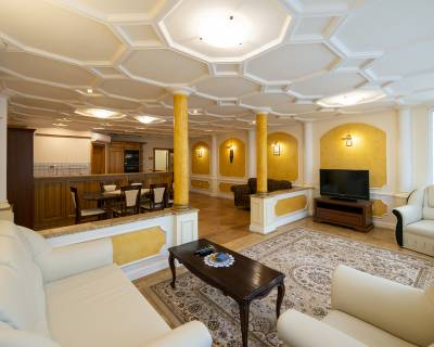 Luxusný 4i byt, 150 m2, zariadený, parkovanie, s balkónom,