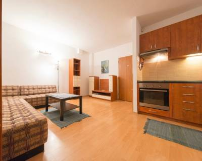 Zariadený 2i byt, 47m2, s parkovaním