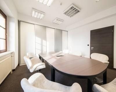 Exkluzívne kancelárie pod hradom 215 m2, krásny výhľad, terasa,parking
