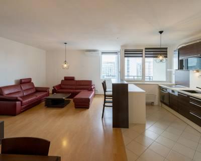 Priestranný 4i byt, 104 m2, 2x balkón a parkovanie