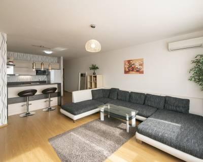 Klimatizovaný moderný 2i byt, 55 m2, parkovanie, Perla Ružinova