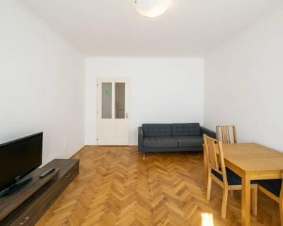Svetlý 2i byt, 62 m2, zariadený, verejné parkovanie, pet friendly