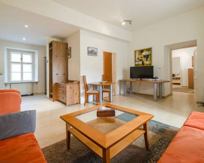 Svetlý 3i byt, 72 m2, zariadený, v srdci Starého mesta