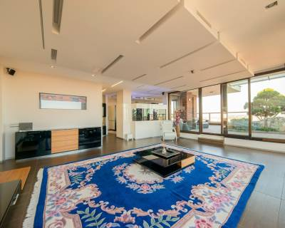 3-bdr penthouse Koliba, 172 m2, terrace 133m2, garden,pool, 4-garage