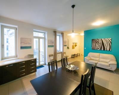 Veľkometrážny, 2i byt, 94 m2, zariadený, šatník, parkovanie