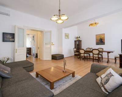 Výnimočný 5i byt, 140 m2, priamo v centre, klimatizácia, parkovanie