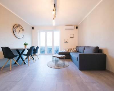 Krásny, priestranný 3i byt, 63m2, zariadený, možnosť parkovania