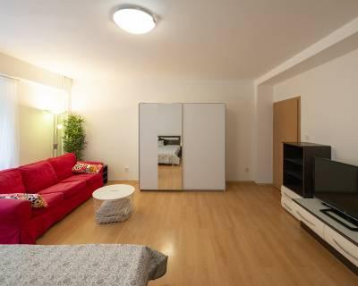 Pekný, priestranný 1i byt,43 m2, zariadený, v zelenom prostredí