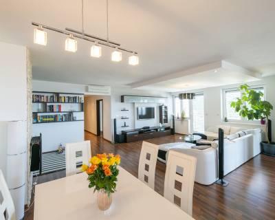 Priestranný 3i byt, 110 m2, terasa, parkovanie, úžasný výhľad