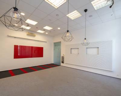 Kancelárske priestory 371 m2, 11 miestností, parkovanie, nezariadené