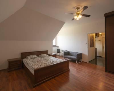 Útulný 1i byt, 44 m2, zariadený, s výhľadom na hrad