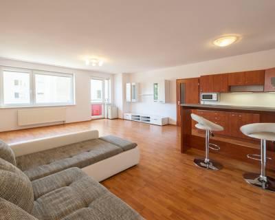 PREDANÉ Svetlý 1i byt, 50m2, balkón,+ parkovací box - Rustica