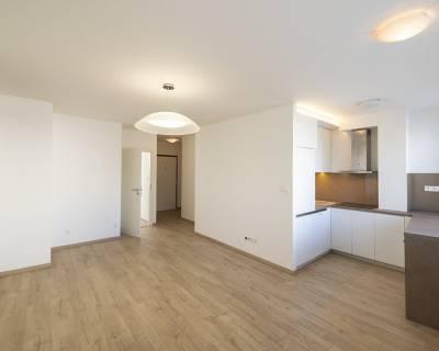 Veľmi príjemný 2i byt, 46m2, nezariadený, centrum, petfriendly