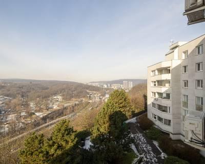 PREDANÉ Priestranný 3i byt, 82 m2, 2 x lodžia, Martinengova ul.