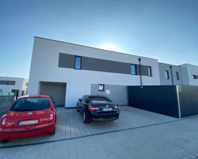 Krásny, moderný 4i rodinný dom, záhrada, parkovanie, tichá ulica