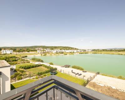 REZERVOVANÉ: 3-izb byt s terasou pri jazere, 2/2p., 82 m2, Kittsee, T6