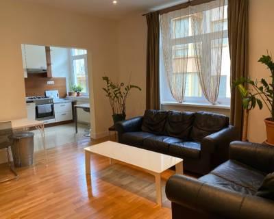 Priestranný 2i byt, 64 m2, zariadený, v skvelej lokalite