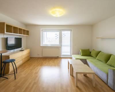 REZERVOVANÉ Príjemný 1i byt, 30m2, zariadený, parkovanie, s balkónom