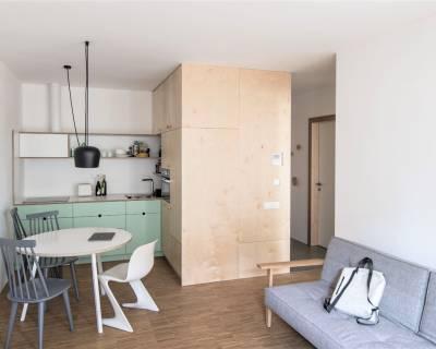 Krásny 2i byt, 51 m2, zariadený, balkón, parkovanie Pri mýte