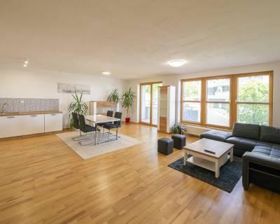 Priestranný 3i byt, 125 m2, zariadený, 2x balkón, parkovanie