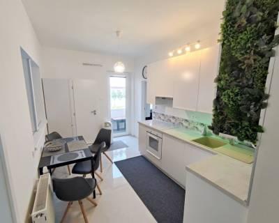 Krásny 2i byt, 90 m2, zariadený, s balkónom, v Starom Meste
