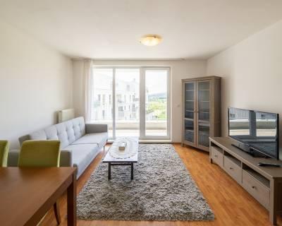 REZERVOVANÉ Príjemný, slnečný 2i byt, 48m2, lodžia, parkovanie
