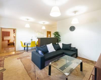 Pekný, charizmatický 2i byt vo vile, 70m2, terasa, záhrada, parkovanie