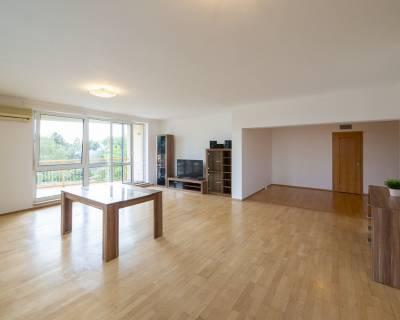 Priestranný, zariadený 4i byt, 133m2, balkóny, parkovanie, Horský park