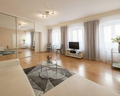 Príjemný, svetlý 2i byt, 52m2,tichý dvor, perfektná lokalita v centre