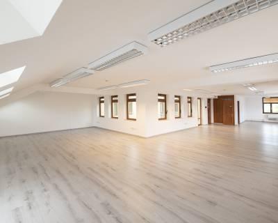 Krásne, výnimočné kancelárie 125m2, nezariadené, parkovanie