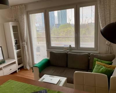 Svetlý 2i byt, 40 m2, zariadený, 2 lodžie, pri Medickej záhrade