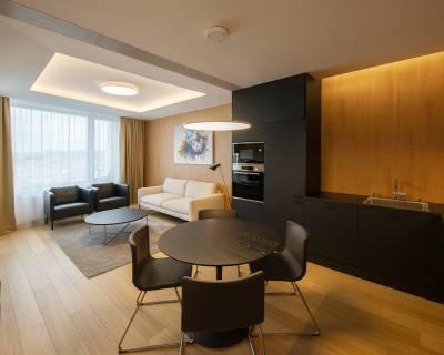 Luxusný 2i byt, 50 m2, zariadený, lodžia, parkovanie, výhľad, Sky Park