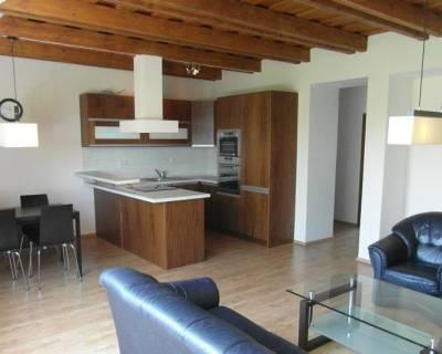 Priestranný 3i mezonet, 104 m2, zariadený, klimatizácia, terasa